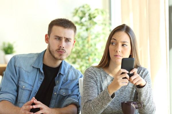 علت شکل گیری روابط نامتعارف چیست؟