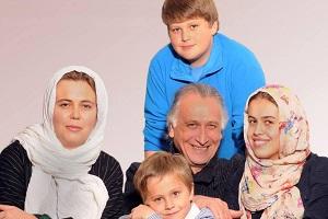 Ahmad-Najafi-and-his-family
