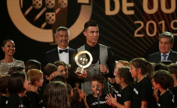 رونالدو برای دهمین بار مرد سال فوتبال شد