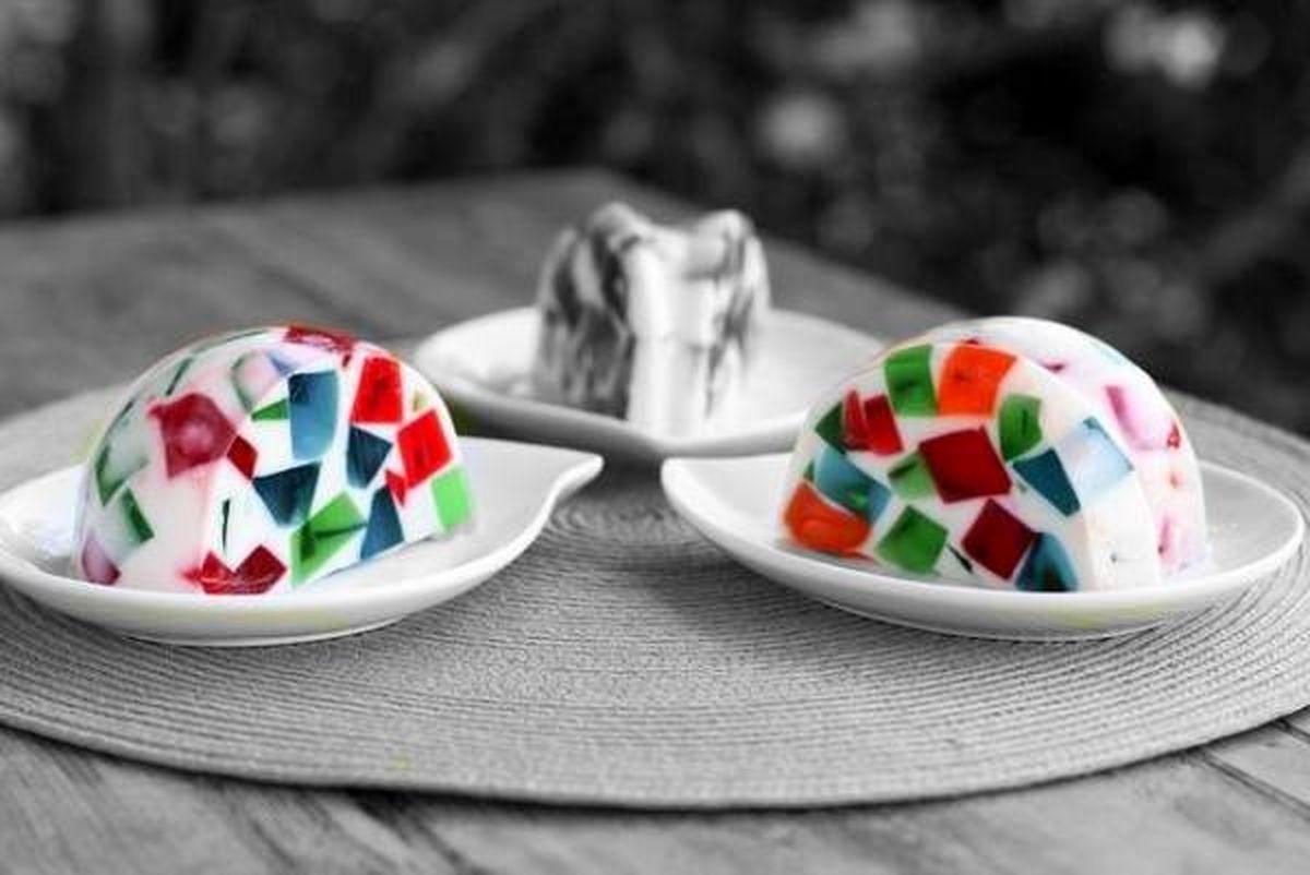 طرز تهیه ژله خرد شیشه با بستنی وانیلی+ آموزش به همراه عکس