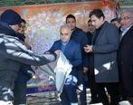 بازدید وزیر اقتصاد از غرفه بانک تجارت در راهپیمایی 22 بهمن
