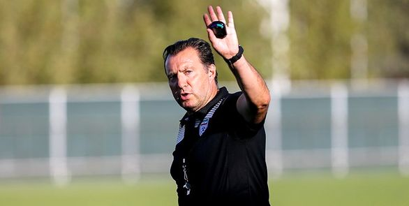 امضای قرارداد ویلموتس بدون تایید حقوقی فدراسیون فوتبال
