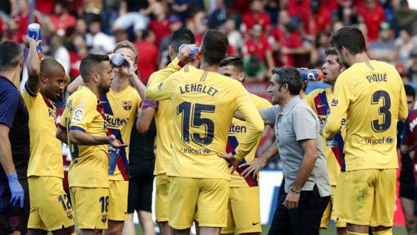 والورده به بازیکنان بارسلونا هدیه داد + جزئیات