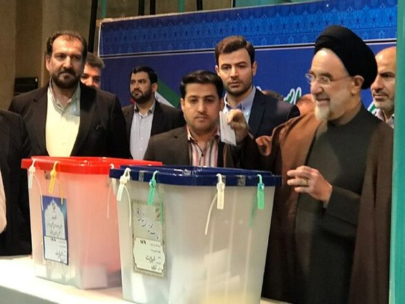 سید محمد خاتمی رای خود را به صندوق انداخت