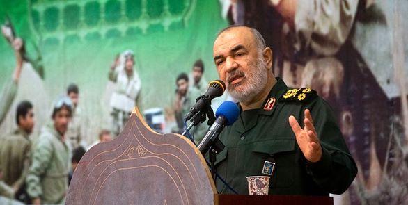 بسیج نقطه کانونی عزت امت اسلامی است/ «حل مشکلات» استراتژی اصلی بسیج