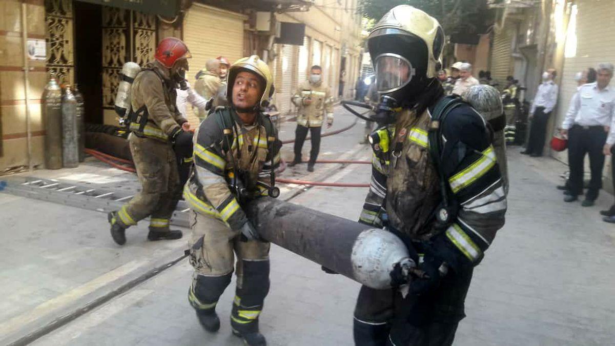 آتشسوزی هولناک در خیابان ولیعصر + جزئیات