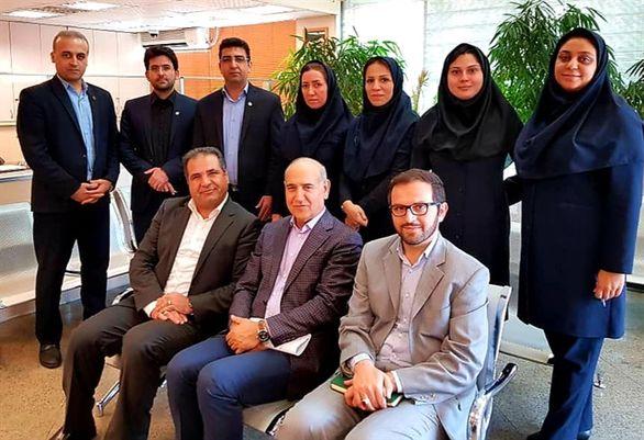 بازدید مدیرعامل بانک کشاورزی از شعبه ملاصدرا در تهران بزرگ