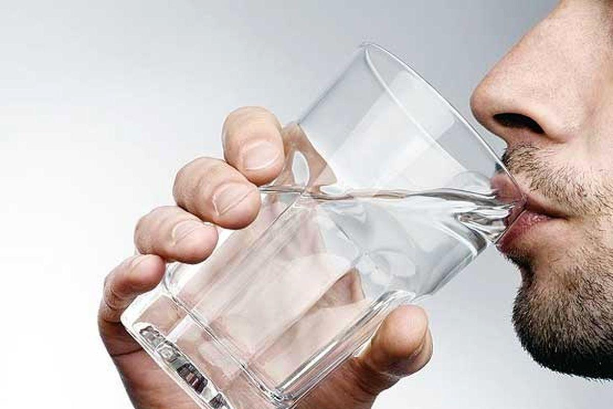 تاثیر جالب زمان نوشیدن آب بر بدن