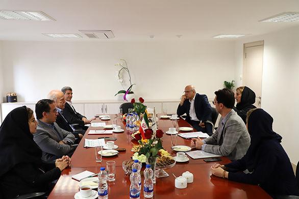 بازدید مدیرعامل بانک کارآفرین از شعب خیابان مرجان، طالقانی شرقی و سعدی جنوبی