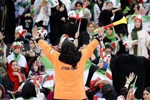 ورود زنان در بازی های لیگ برتر را میسر سازید