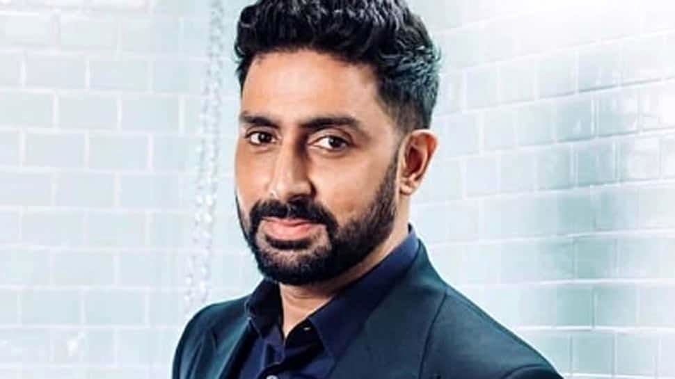 Abhishek Bachchan takes a late-night walk in the hospital | People News | Zee News