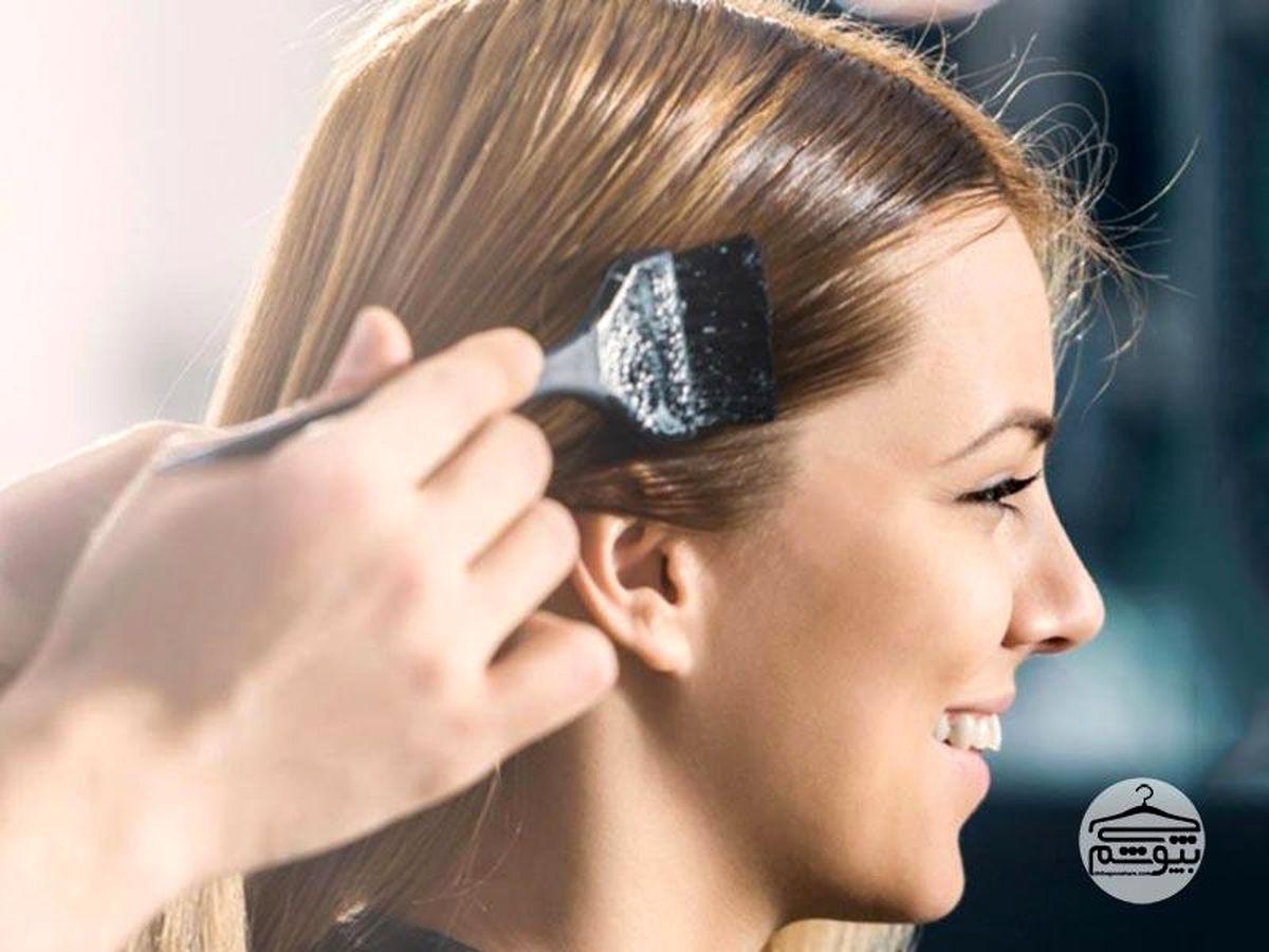 چگونه به صورت حرفه ای و ساده موهایمان را رنگ کنیم + آموزش