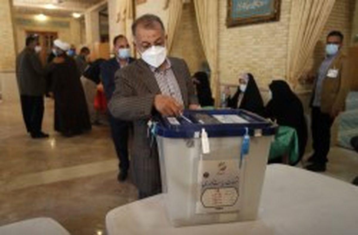 حضور مردم پای صندوق های رای اقتدار نظام اسلامی را تقویت می کند