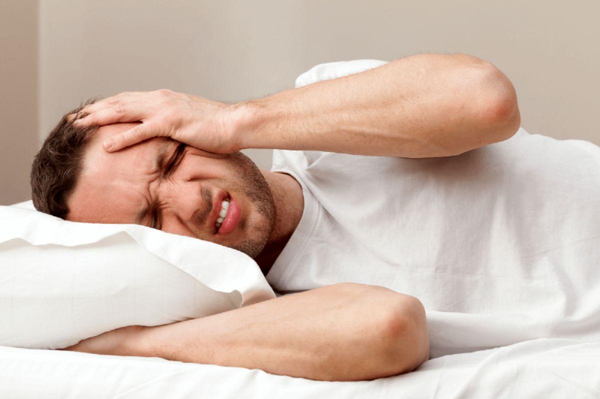 ترفندهای کلیدی برای غلبه بر سردرد ناشی از روزهداری