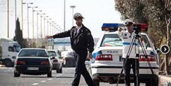 حرف زدن با موبایل در رانندگی 100 هزار تومان جریمه دارد