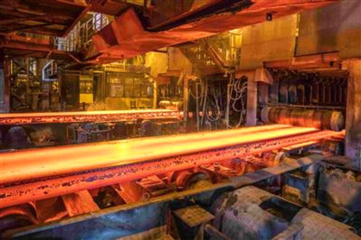 فولاد مبارکه مرز تولید ۷۰۰هزار تن در فولادسازی را رد کرد