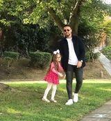 شاهرخ استخری مشق نوشتن دخترش را سوژه کرد + عکس