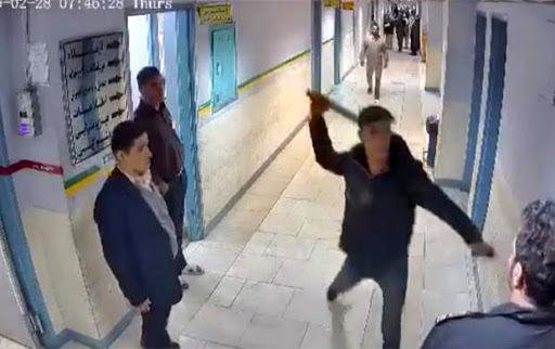 حمله وحشیانه قمه به دست ها به بیمارستانی در رشت + فیلم