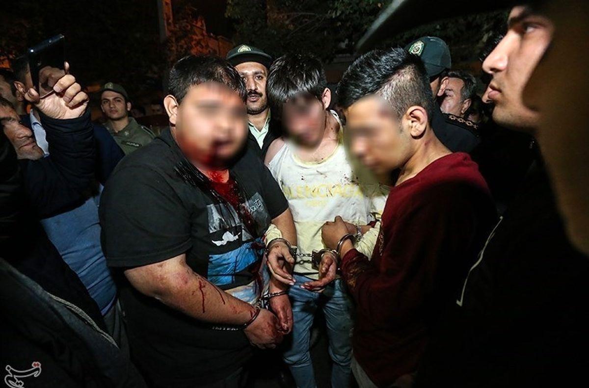 حمله خونین به ۷ نفر و خسارت به ۹ خودرو توسط اوباش + عکس