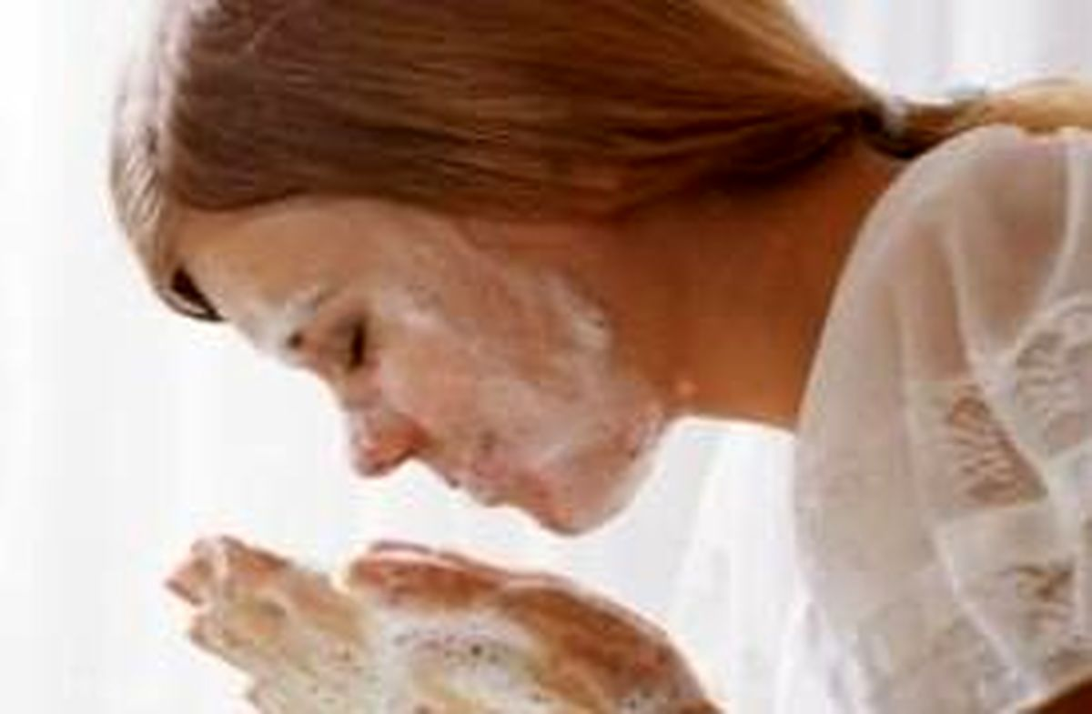 درمان خانگی پوست صورت با ماسک لیمو، گوجه فرنگی و خیار
