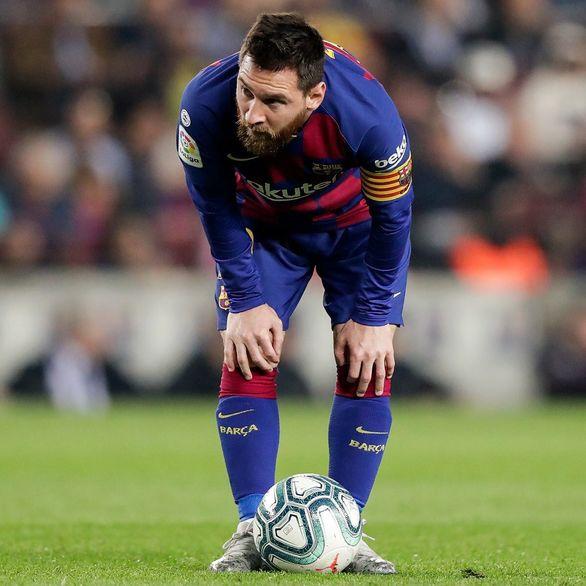 مسی خداوندگار فوتبال و ضربه ایستگاهی + عکس