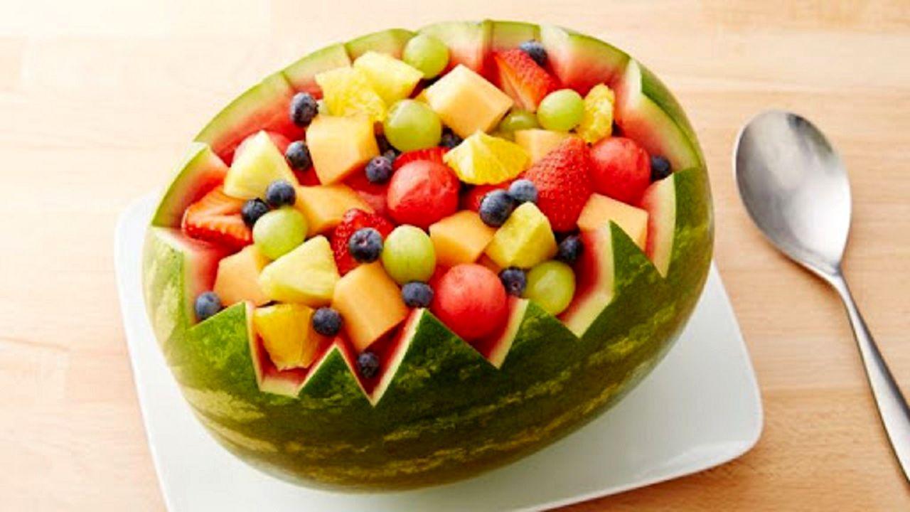 کدام میوه ها می توانند آب رسان های خوبی برای بدن باشند؟