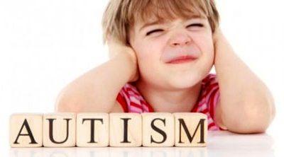 چگونه با کودکان اوتیسمی برخورد کنیم؟
