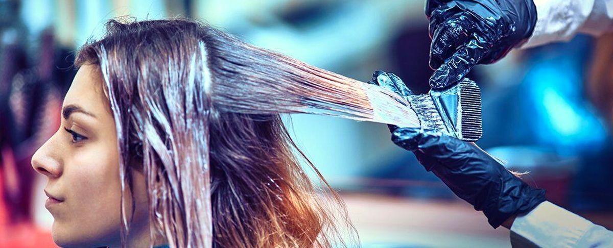 استفاده مکرر از رنگ مو احتمال ابتلا به سرطان سینه را در زنان بالا می برد