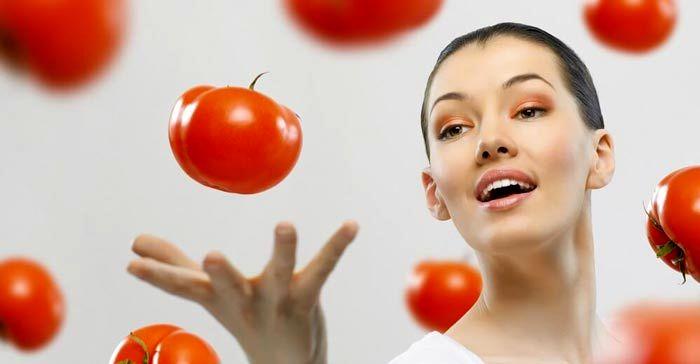 ریز موهایتان را با گوجه فرنگی برطرف کنید.