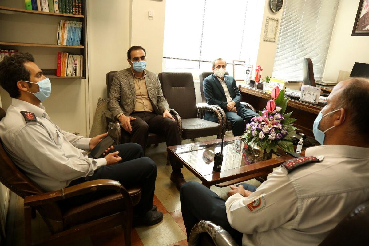 بیمه ایران از جانفشانی آتش نشانان تجلیل کرد