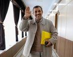 محمود احمدینژاد وارد وزارت کشور شد