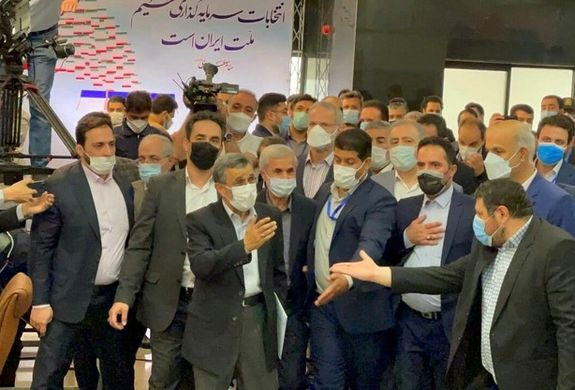 احمدی نژاد نیامده در وزارت کشور دردسرساز شد+ ویدئو