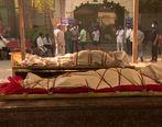 زن جوان در مراسم تشییع جنازه اش زنده شد