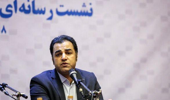 آرش عباسی در تئاتر شهر «پارتی» راه میاندازد