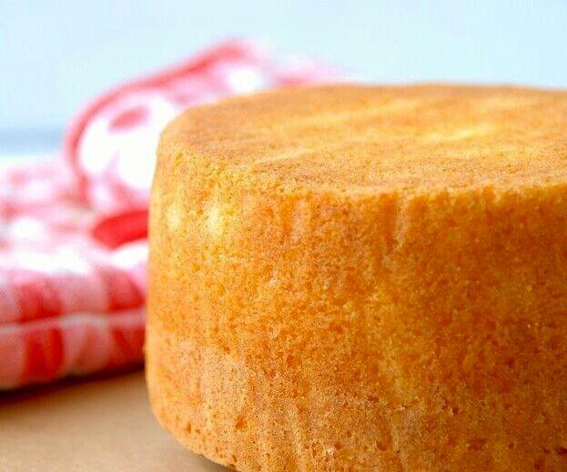 طرز تهیه کیک اسفنجی بدون فر در خانه + مواد لازم