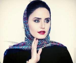 عکس لورفته و جنجالی الناز شاکر دوست با کارگردان معروف در استخر+بیوگرافی و تصاویر