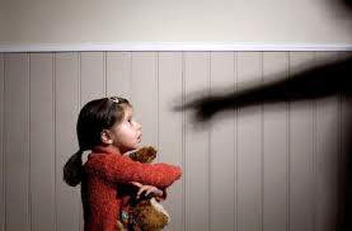 فیلم دلخراش و جگرسوز از شکنجه و کودک آزاری با فلفل تند + فیلم دردناک