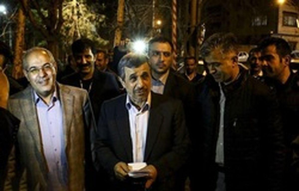 آموزش ساخت ماسک توسط محمود احمدی نژاد! + فیلم