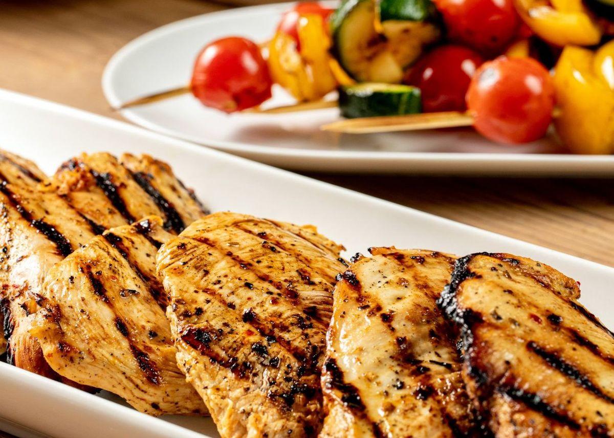طرز تهیه ۲ نوع غذای رژیمی با مرغ