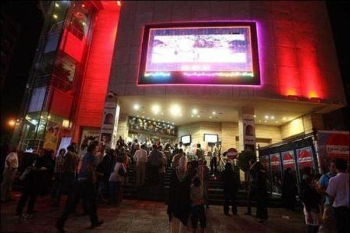 جلسه فوقالعاده شورای عالی اکران برای فیلمهای روی پرده
