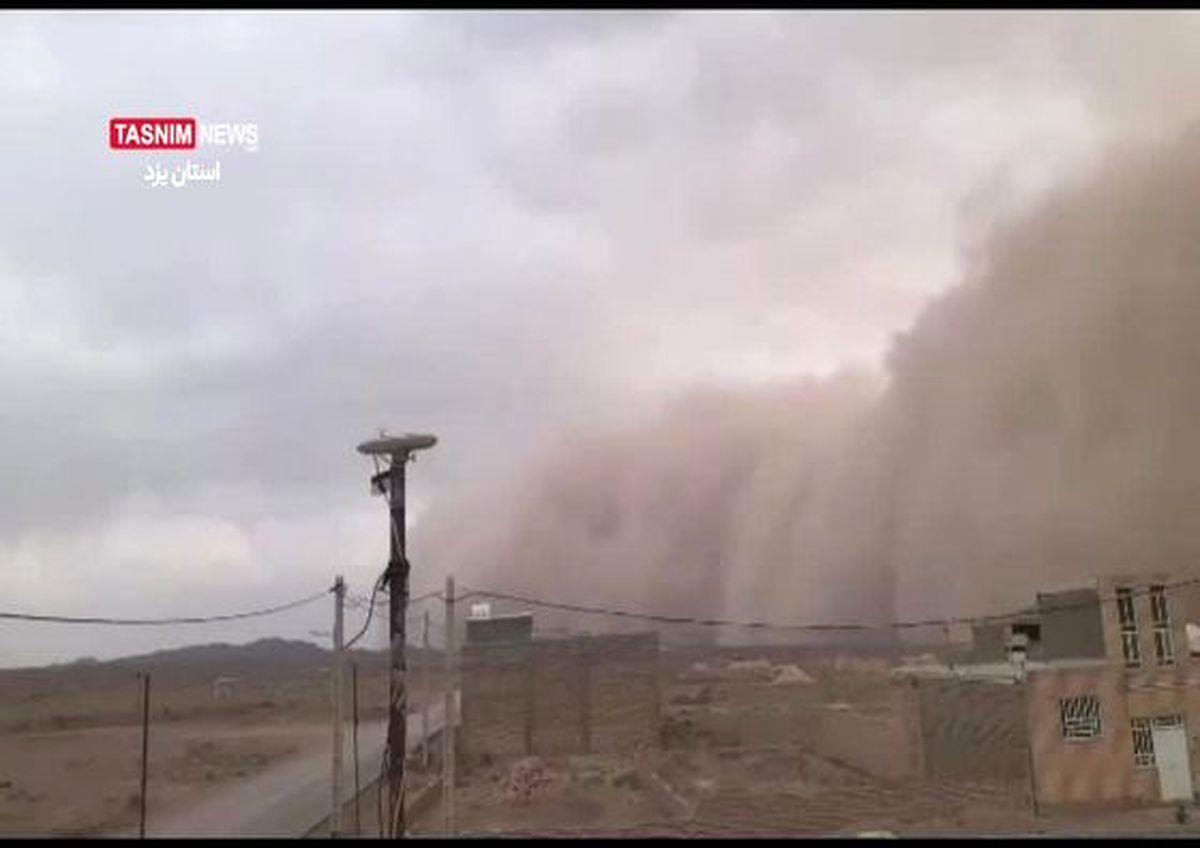 طوفان وحشتناک در یزد + فیلم