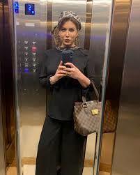 دراوردن روسری فریبا نادری توسط دخترش در لایو اینستاگرام + فیلم