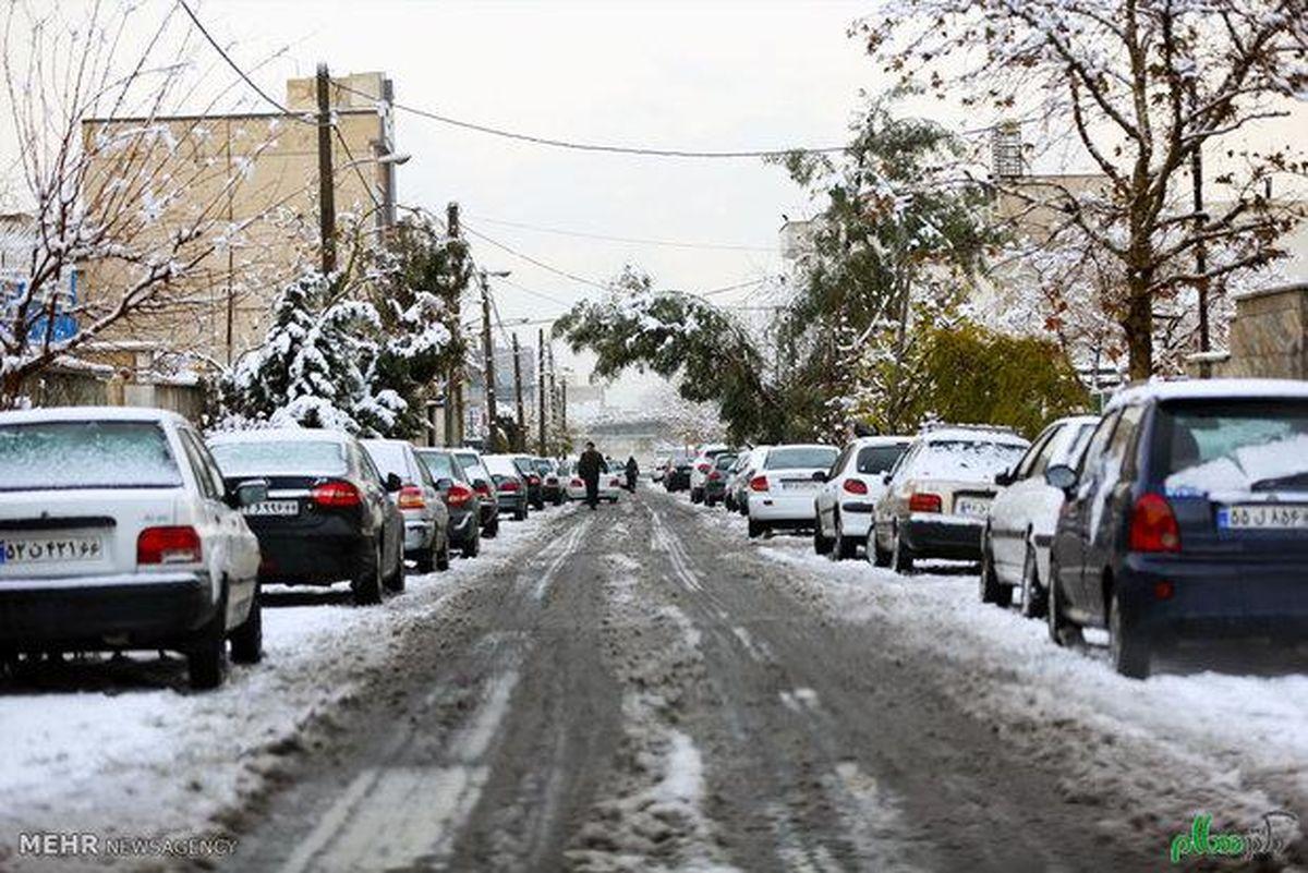 بارش برف در پایتخت آغاز شد