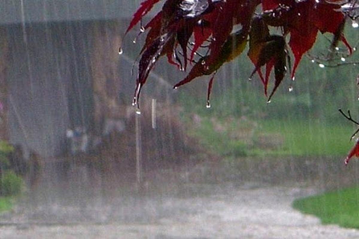 بارندگی در جادههای ۱۸ استان کشور