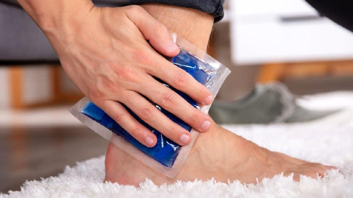 ۱۲ راه درمان خانگی موثر برای ورم پا