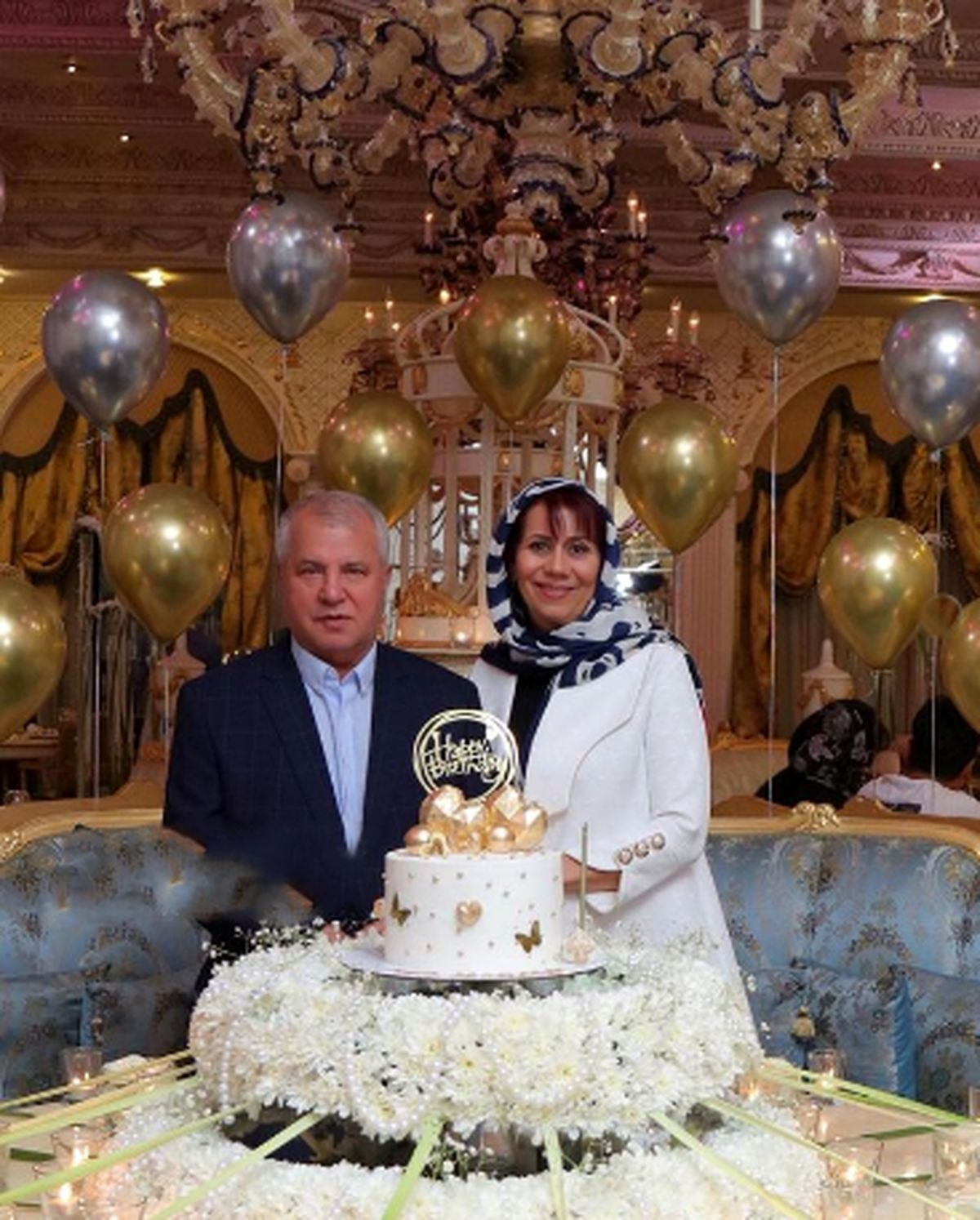 سالگرد ازدواج علی پروین در تالار مجلل تهران   علی پروین عکس همسرش را منتشر کرد