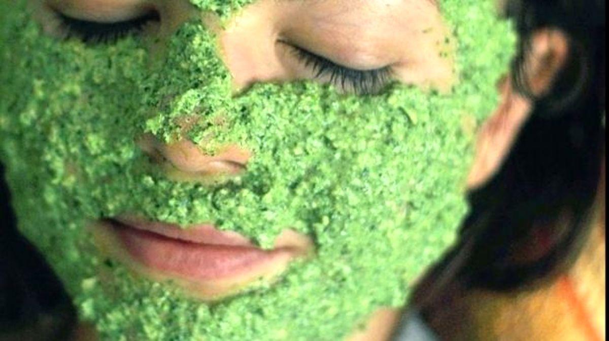 آموزش و طرز تهیه ماسک و محلول برای کک و مک صورت