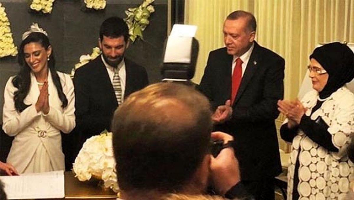 جشن ازدواج بازیکن معروف فوتبال با حضور رئیس جمهور   تصاویر مراسم ازدواج