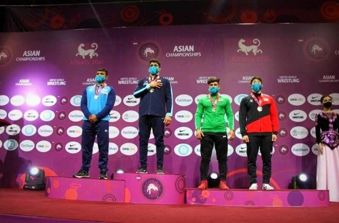 سکوی قهرمانی آسیا