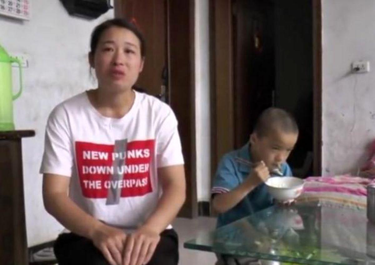 فداکاری پسر 10 ساله برای نجات پدر سرطانیش + عکس
